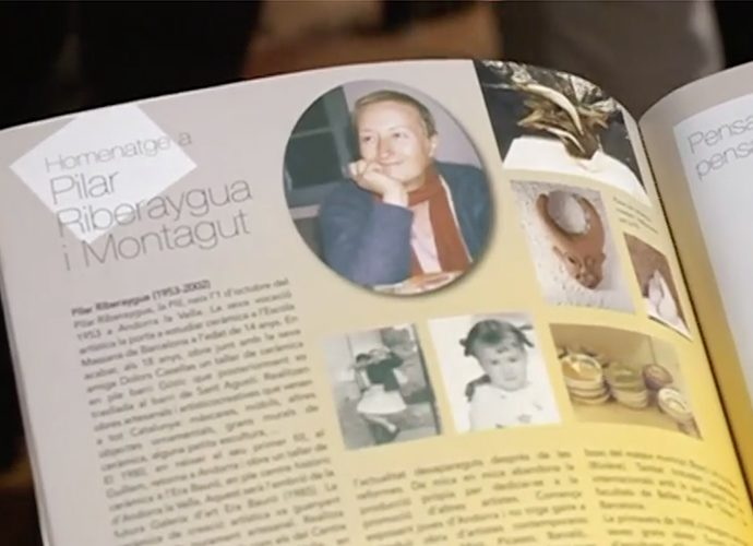 Un número anterior de la revista Àgora