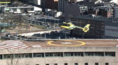 Un helicòpter aterra a l'Hospital