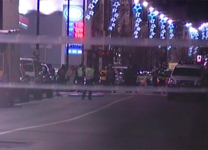 La zona on van tenir lloc els fets acordonada per la Policia