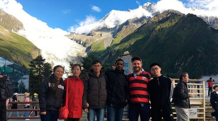 Víctor Resco de Dios i els companys de treball a la muntanya Gongga, província de Sichuan, al Tibet.