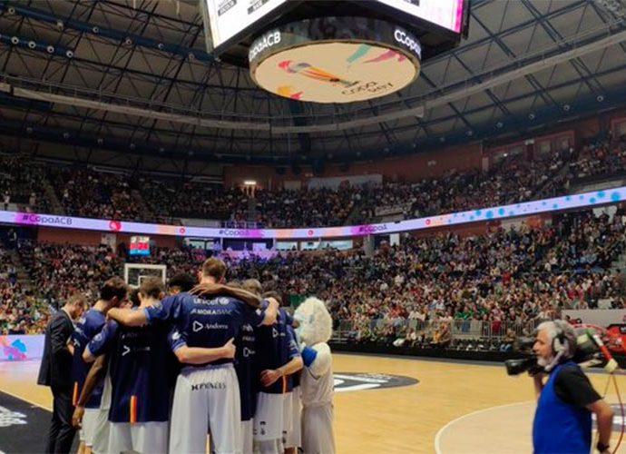 El Morabanc Andorra fa pinya durant la semifinal de la copa del rei 2020