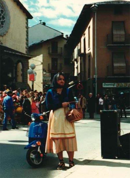 La fregona al ball de l'Ossa d'Andorra la Vella