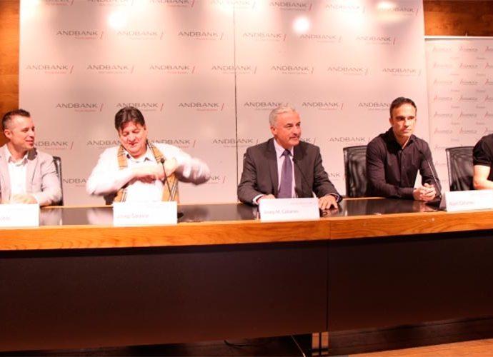 Gobbi, Saravia, JM Cabanes, A Cabanes i Domínguez en la presentació de la pedalada