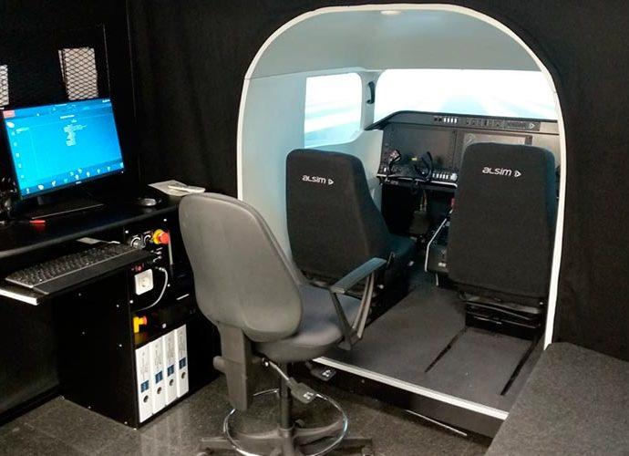 simulador de vol de l'aeroport d'alguaire