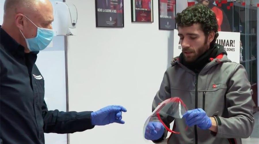 Makers Andorra lliura pantalles protectores a la Creu Roja