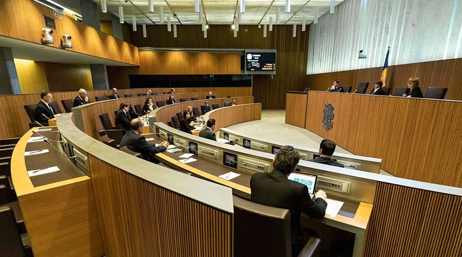 Sessió del Consell General durant la crisi de la Covid-19