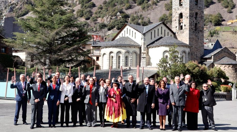 Fotografia de família de la reunió ministerial de turisme preparatòria de la Cimera Iberoamericana 2020