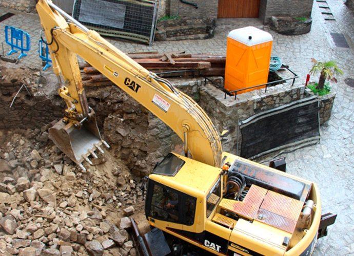 excavadora en una obra