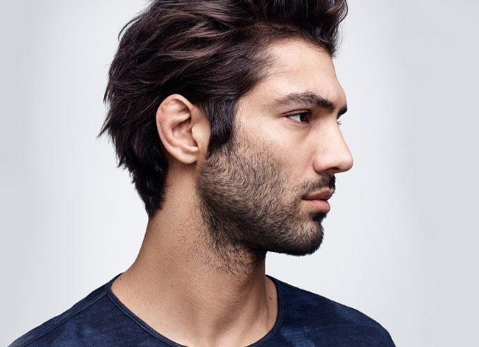 model amb barba sense arreglar