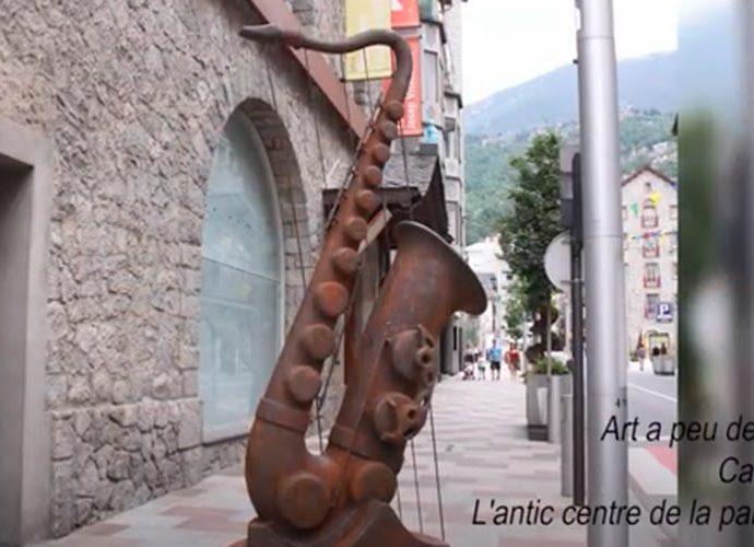 Frame d'una càpsula audiovisual realitzada pel COmú d'Escaldes-Engordany per mostrar l'art que hi ha als carrers de la parròquia