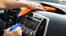 Neteja de l'interior d'un cotxe
