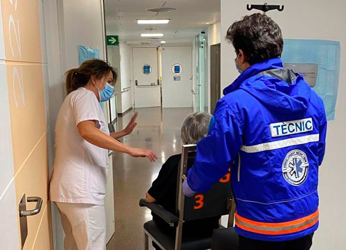 Sortida de l'hospital del darrer afectat per covid