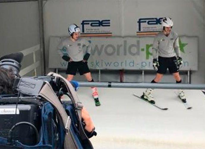 Dos esquiadors al simulador
