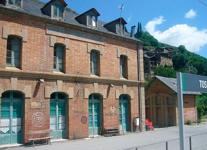 Estació de tren de Toses