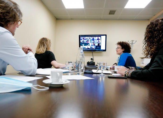 La ministra de Funció Pública, Judith Pallarès, en una reunió telemàtica per preparar la reunió ministerial iberoamericana