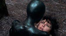 Una escena de 'Under the skin'