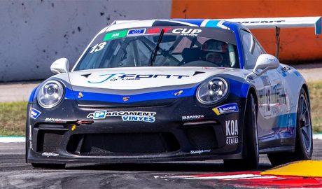 Vinyes conduint el Porsche GT3