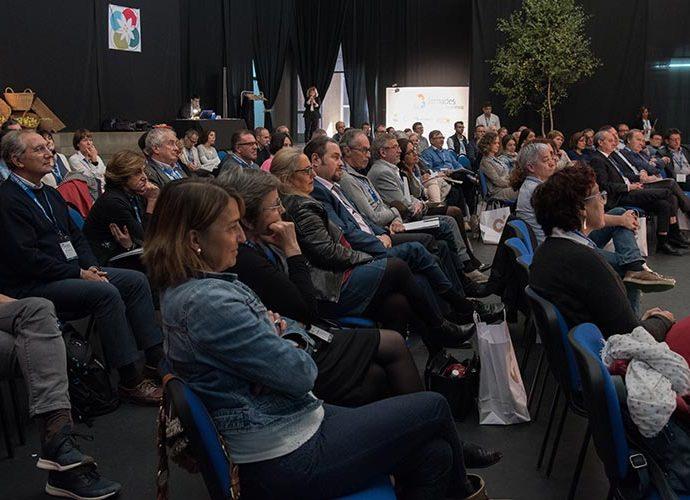 Públic en una conferència d'unes Jornades per a l'excel·lència a Esterri d'Àneu