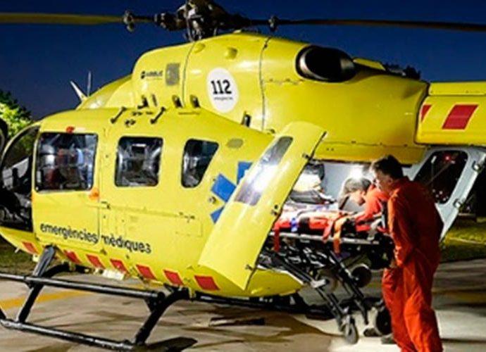 Preparació d'un vol nocturn amb helicòpter medicalitzat (Foto: SEM)