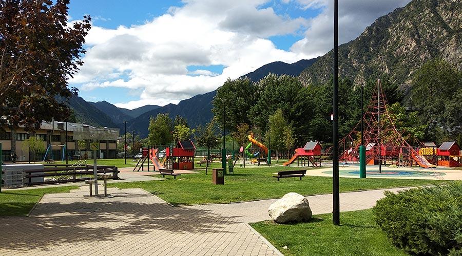 Zona de jocs infantils del Parc Central d'Andorra la Vella