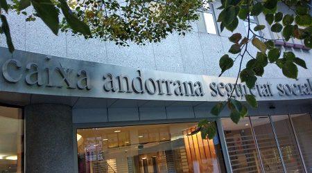 Cartell de la façana de la Caixa Andorrana de Seguretat Social