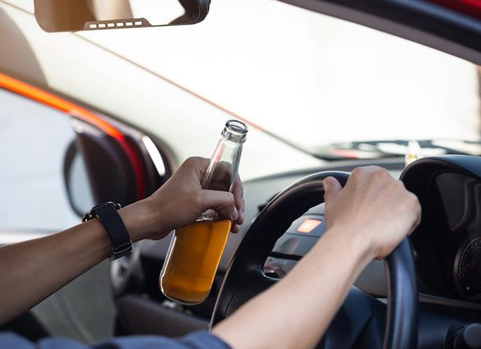 Un conductor bevent i conduint