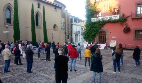 Concentració a la Seu d'Urgell en contra la inhabilitació de Quim Torra
