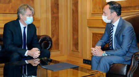 L'ambaixador de França Jean-Claude Tribolet amb el cap de Govern, Xavier Espot