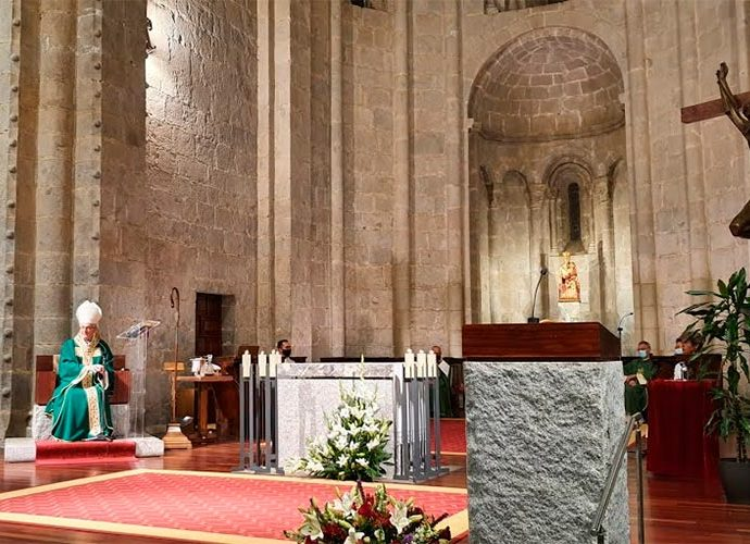 Vives en un moment de la missa funeral dedicada a Joan Martí Alanis el 2020